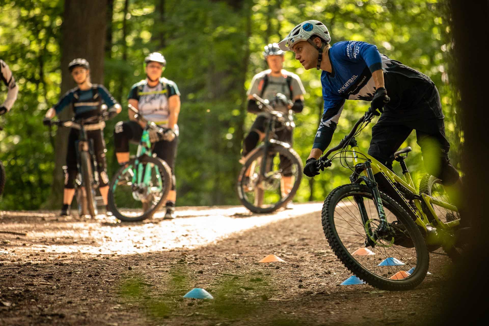 eMTB Basic Fahrtechnik Kurs Bad Orb Spessart Rock my Trail Bikeschule 1