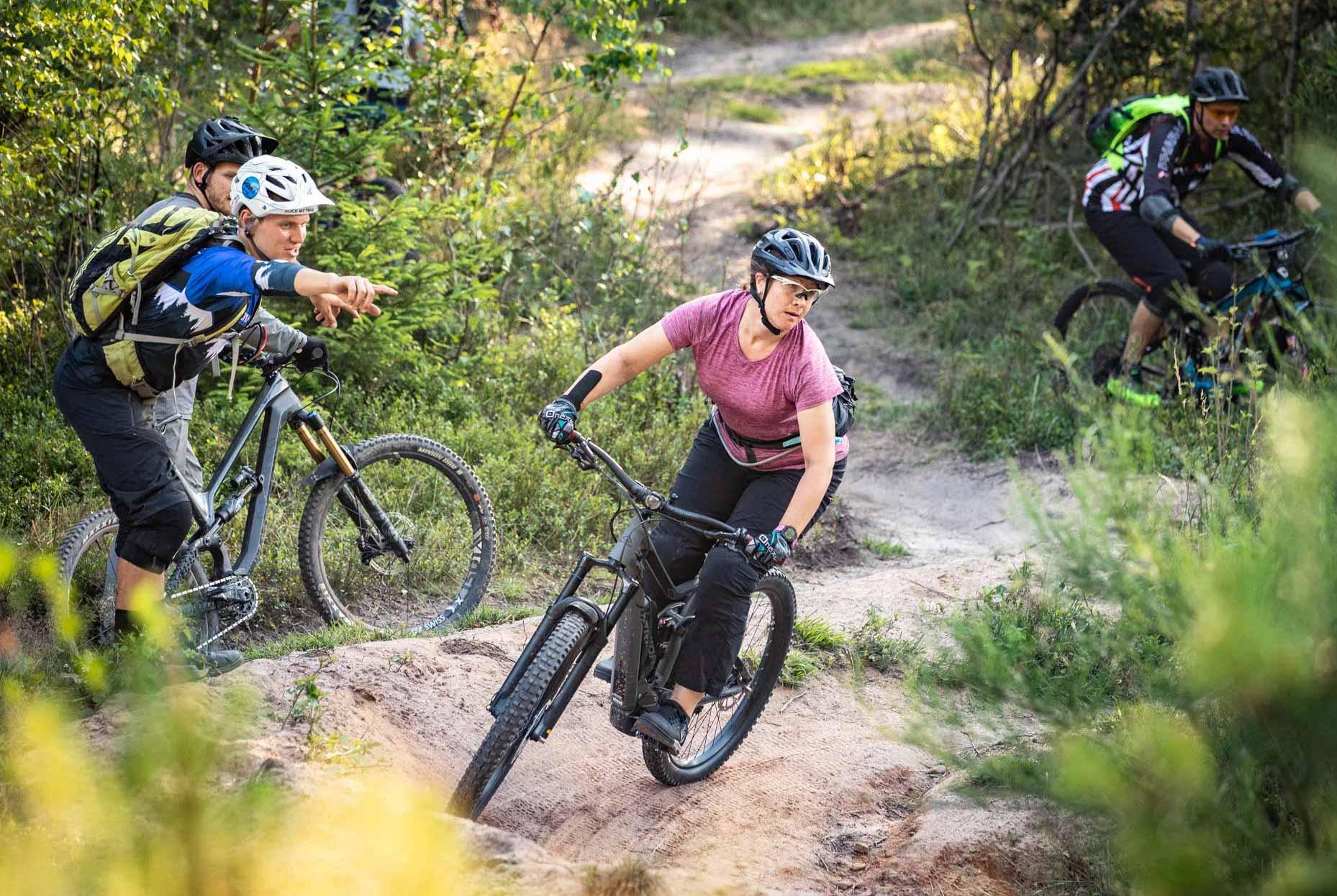 eMTB Fortgeschritten Fahrtechnik Kurs Solingen - Mountainbike Training - Rock my Trail