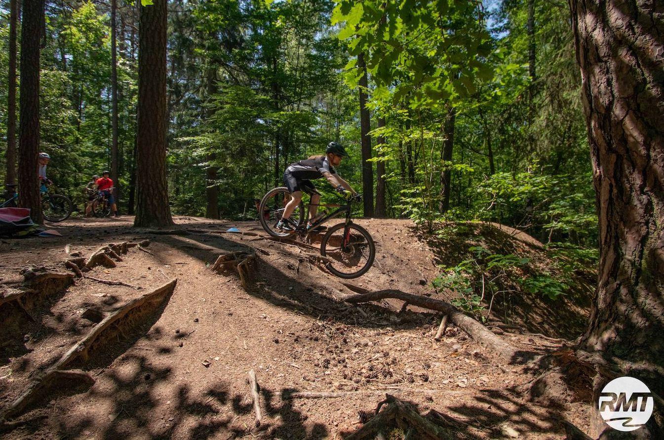 MTB Fahrtechnik Kurs für Einsteiger in Siegburg   Bonn - Mountainbike Basic - Rock my Trail Bikeschule - 4