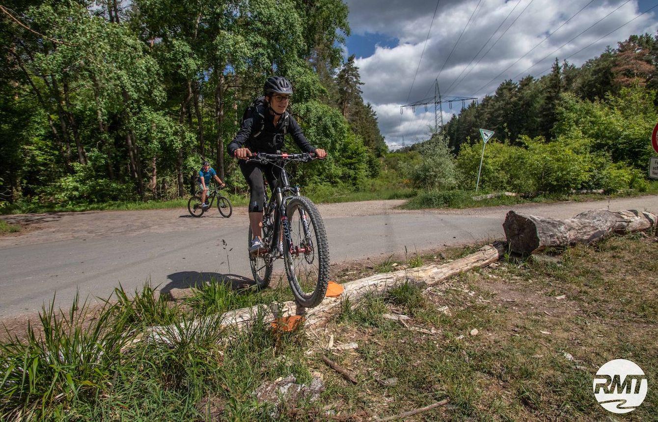 MTB Fahrtechnik Kurs für Einsteiger in Siegburg   Bonn - Mountainbike Basic - Rock my Trail Bikeschule - 6