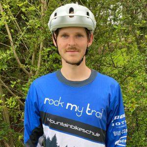 Rock my Trail Bikeschule Fahrtechnik Trainer_ Julian Meyer