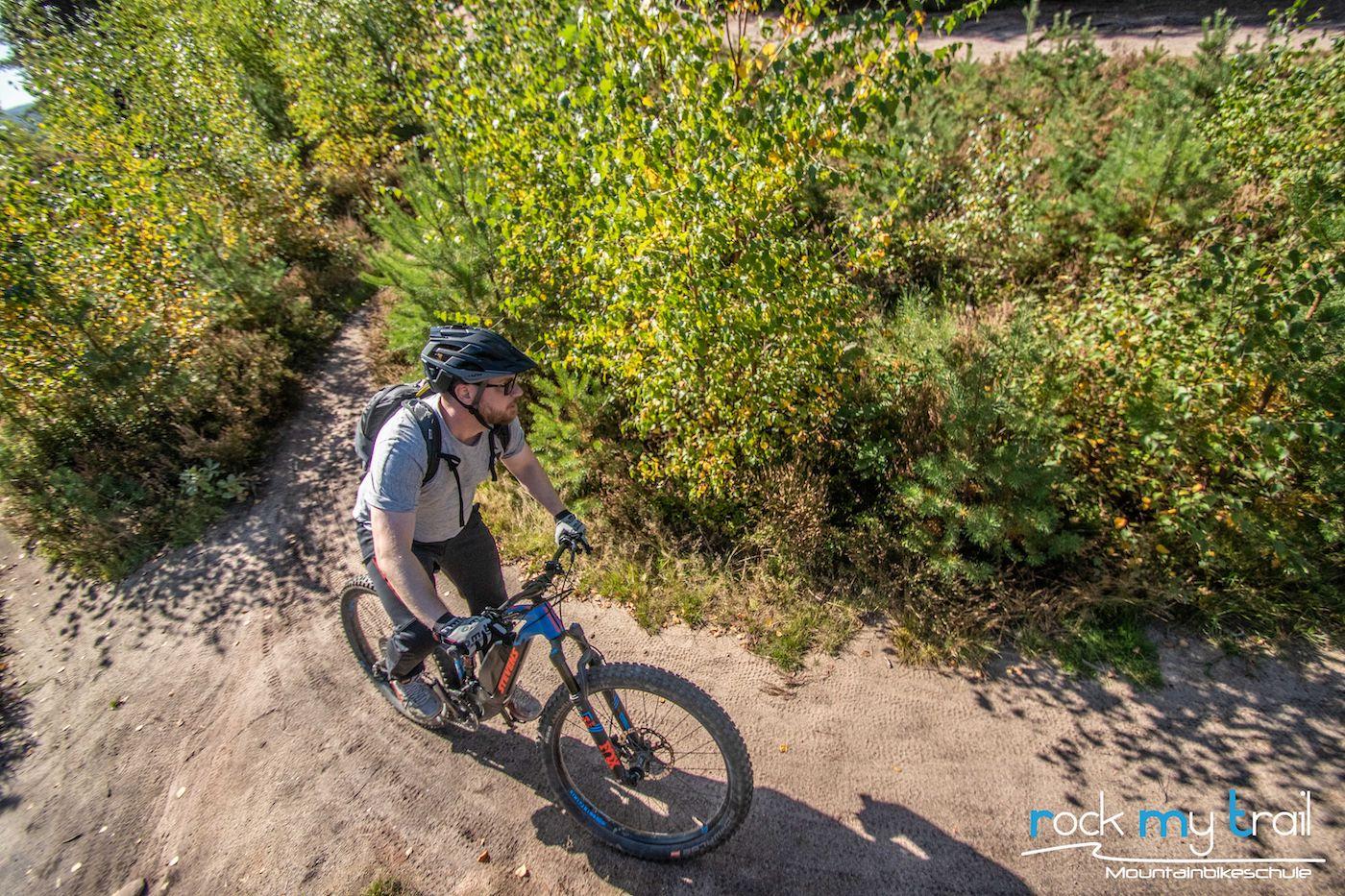 eMTB Fahrtechnik Einsteiger Siegburg Bonn eBike Kurs für eBike Einsteiger_Rock my Trail Bikeschule - 39