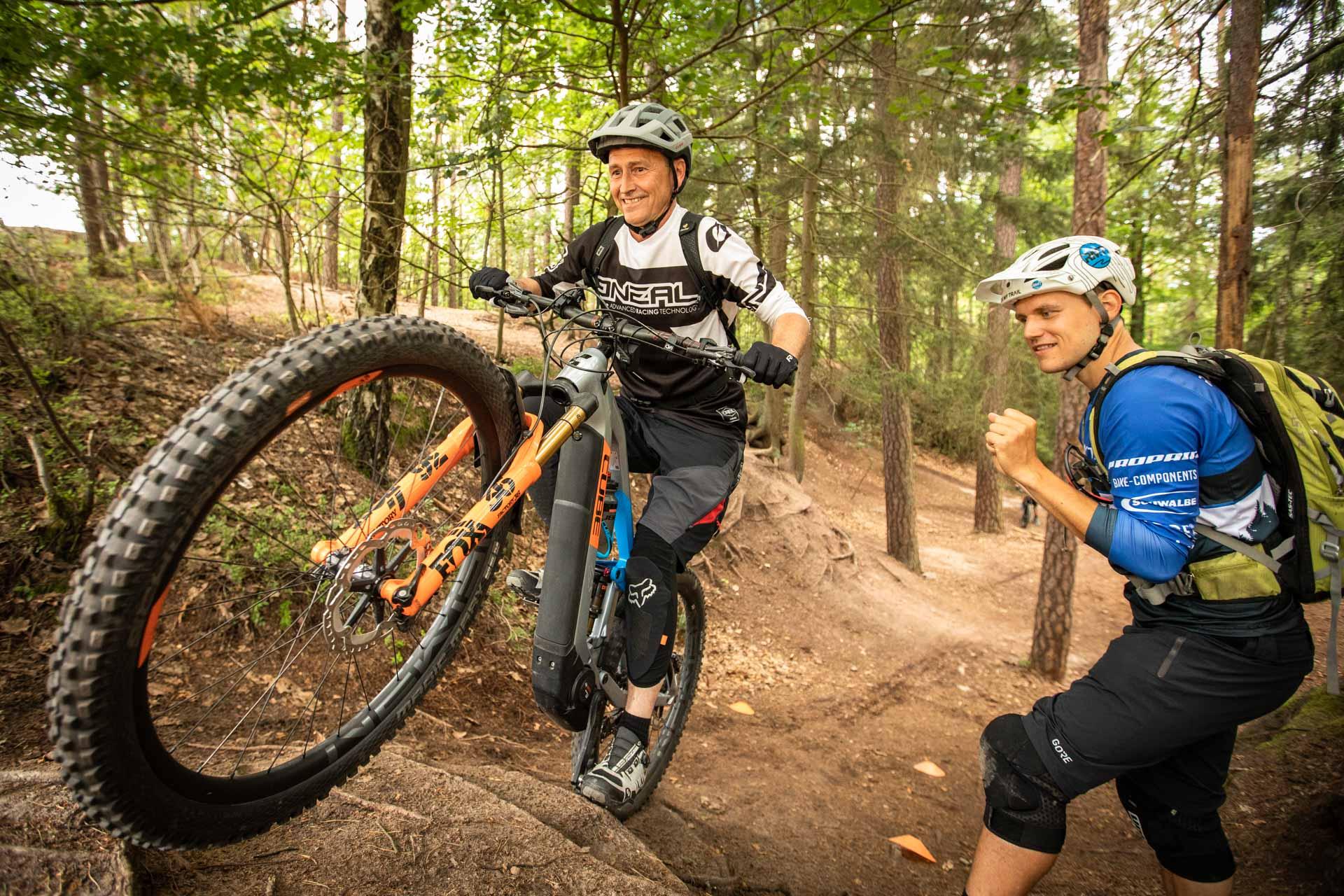 eMTB eBike Fortgeschritten Fahrtechnik Kurs in Siegen - Rock my Trail Bikeschule31