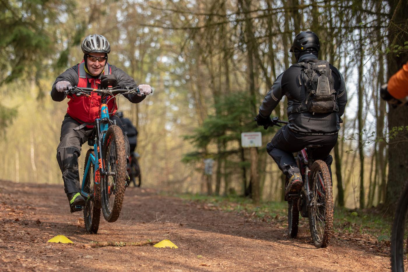 eMTB eBike Fortgeschritten Fahrtechnik Kurs in Siegen - Rock my Trail Bikeschule310