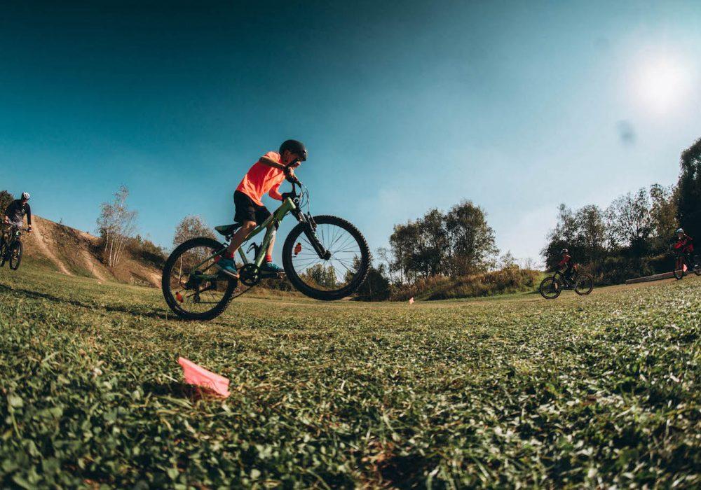 Mountainbike Kinder Kurs in Düsseldorf - 8-12 Jahre Kids - Rock my Trail Fahrtechnik Bikeschule - 13
